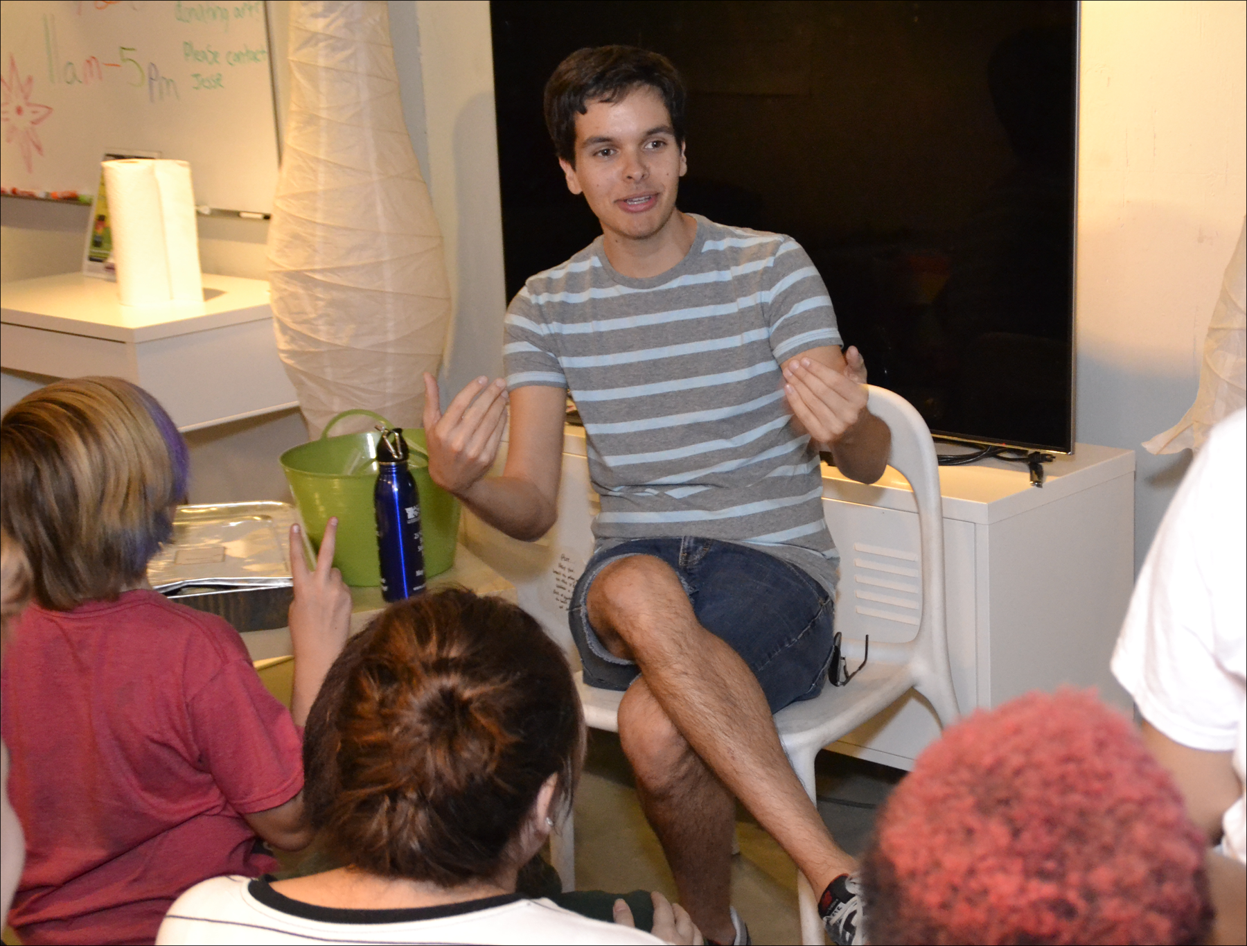 Gay teen support group — photo 11
